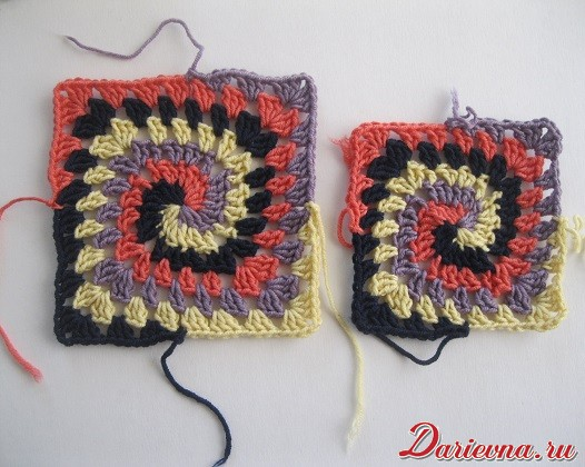 Spiral granny squares: the big one and the small one
